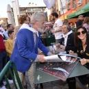 Presentación del cuadro y firma de carteles